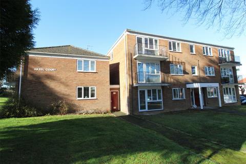 2 bedroom flat for sale - Hazel Court, The Avenue, HITCHIN, Hertfordshire