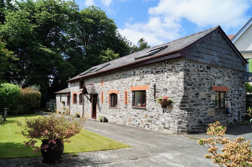 milton abbot 3 bed barn conversion £350,000image 1 of 30
