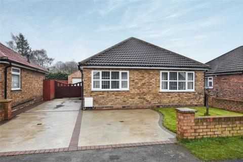 2 bedroom detached bungalow for sale - Whitby Avenue, Stockton Lane, YORK