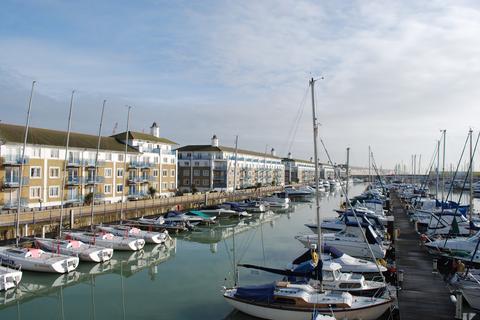 4 bedroom penthouse to rent - Merton Court, The Strand, Brighton Marina, Brighton BN2