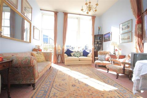 2 bedroom flat to rent - St Leonard`s Crag