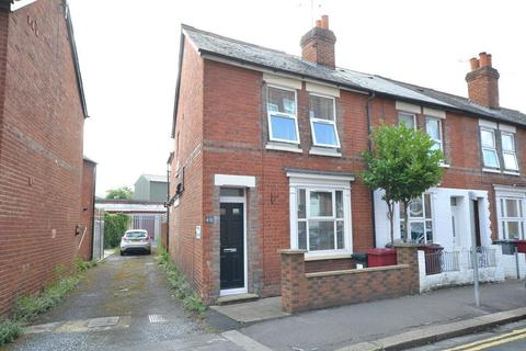 2 bedroom end of terrace house for sale - Swansea Road, Reading