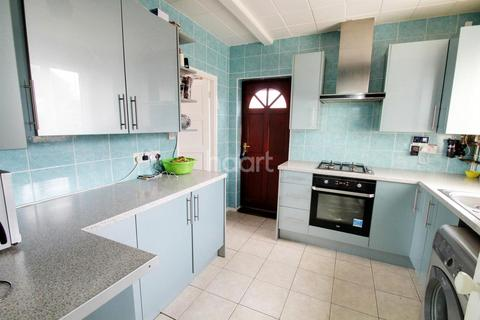 3 bedroom semi-detached house for sale - Selby Avenue, Leicester, LE5