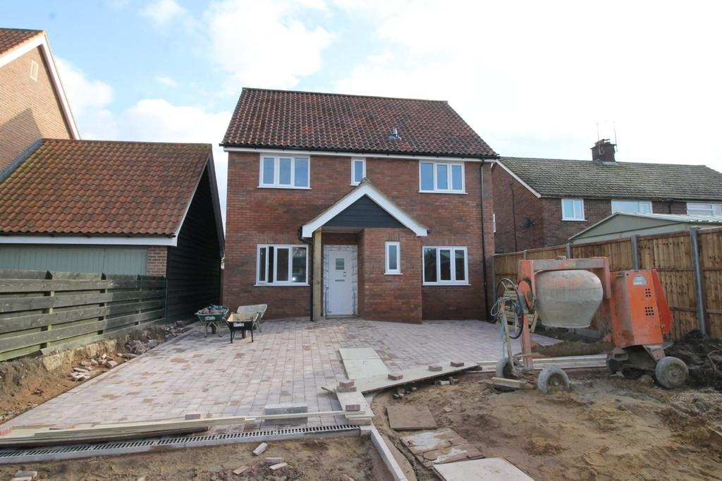 Stradbroke Suffolk 4 Bed Detached House For Sale 285 000