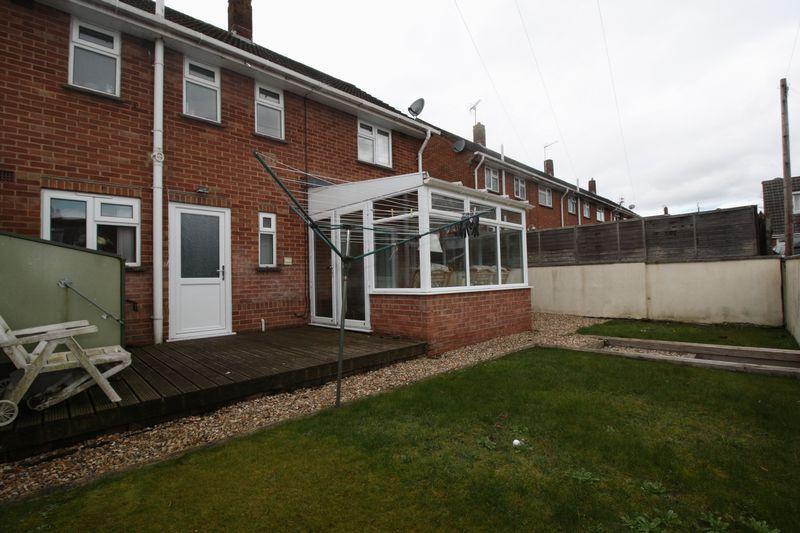Stevens Close Blandford Forum 3 Bed Semi Detached House For Sale 249 950