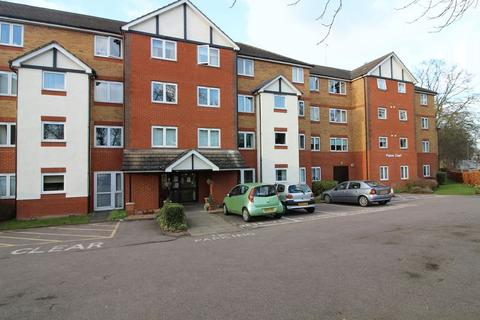 2 bedroom flat for sale - Retirement flat with fantastic views over Wardown Park, Popes Court