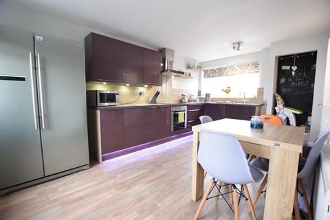 3 bedroom end of terrace house for sale - Pademoor Terrace, Eastoft, Scunthorpe, DN17 4PU