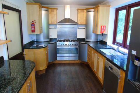 8 bedroom detached house to rent - Sparkford Road, Winchester