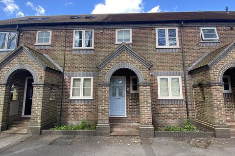 3 bedroom terraced house to rent - Park Avenue, Winchester