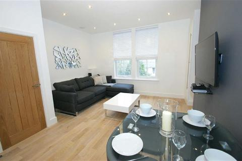 2 bedroom flat to rent - Westhill Terrace, Harrogate Road, LS7