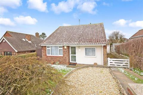 2 bedroom bungalow for sale - Millyard Crescent, Woodingdean, Brighton, East Sussex
