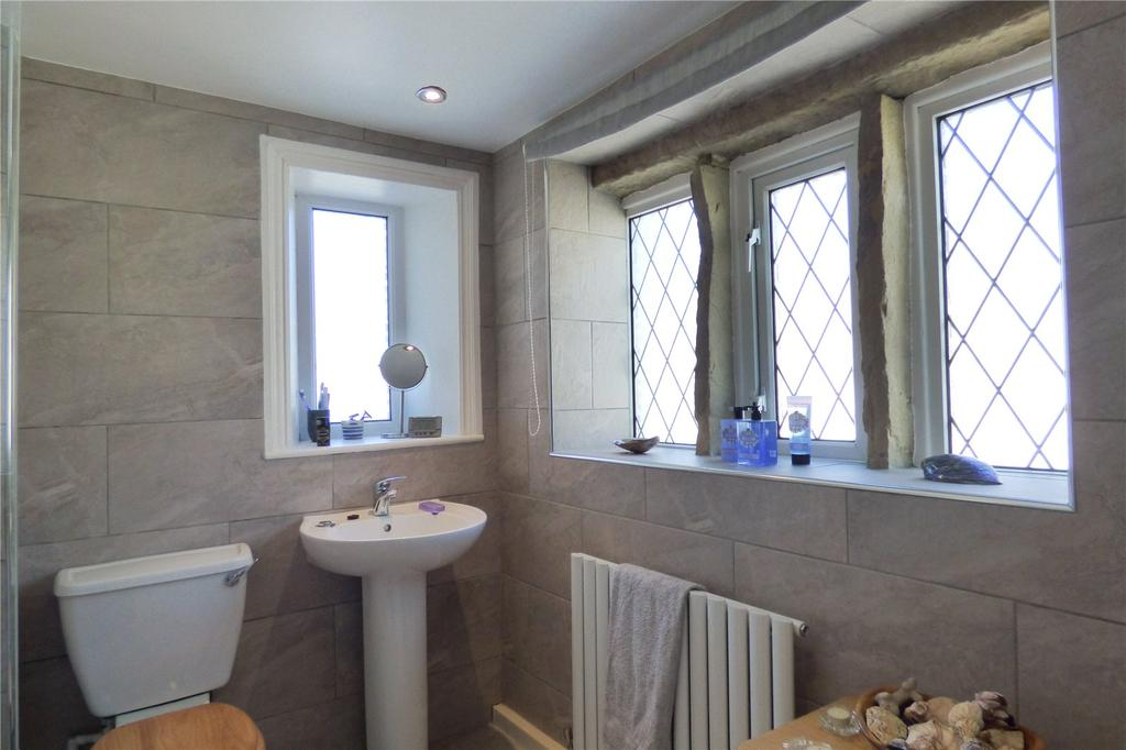 Quickedge Road Mossley Ashton Under Lyne Greater Manchester Ol5 3 Bed Semi Detached House