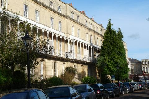 2 bedroom flat to rent - South Parade Mansions, Oakfield Road, BS8