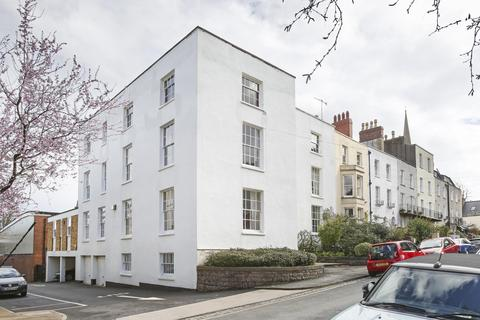 2 bedroom flat to rent - Canynge Road, BS8