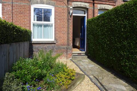 2 bedroom terraced house to rent - Bakers Road, Norwich