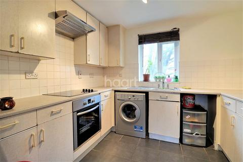 1 bedroom flat for sale - Ashdown Court, Harts Lane, Barking