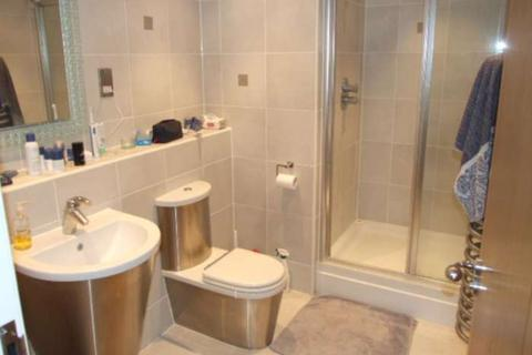 1 bedroom apartment to rent - Altolusso, Bute Terrace, Cardiff, CF10 2FH
