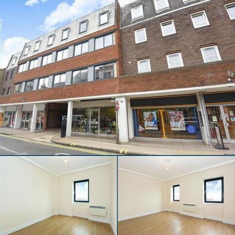2 bedroom apartment to rent - Pemboke Court, Aylesbury, HP20