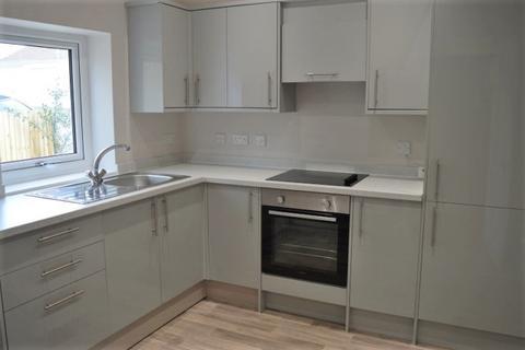 2 bedroom ground floor flat to rent - Ground Floor Flat  45 Queens Road Mumbles Swansea