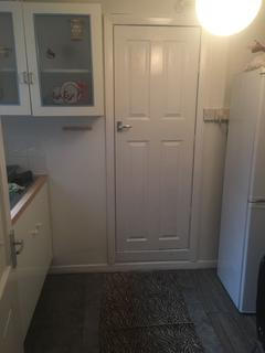 Studio to rent - Chingford Road, Chingford, Walthamstow, London E17