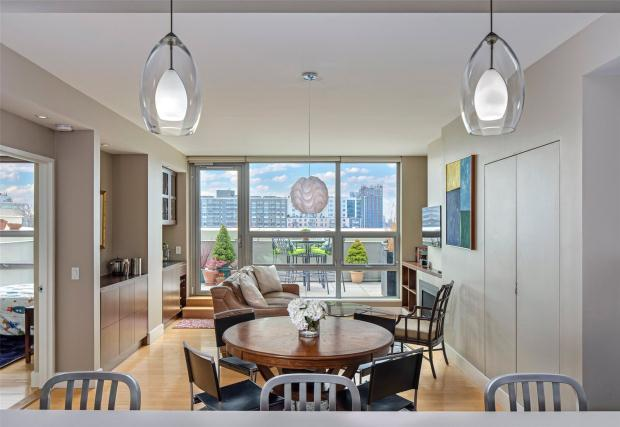 5 09 48th Avenue Long Island City New York 2 Bed Apartment 1 334 103 Usd 1 850 000