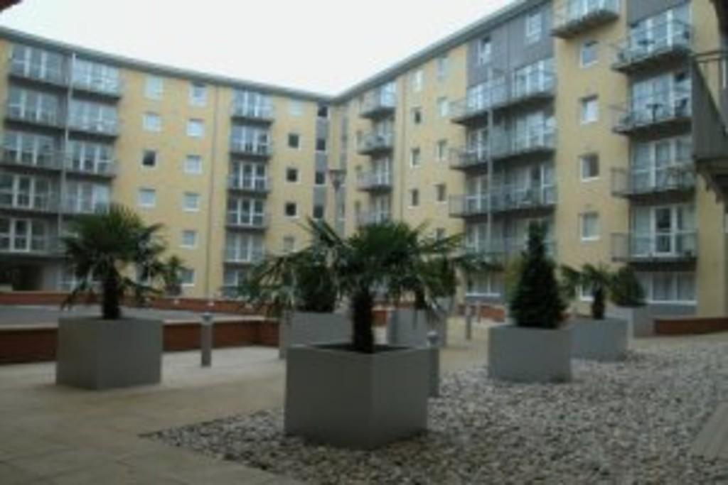 Quartz Hill Apartments For Rent