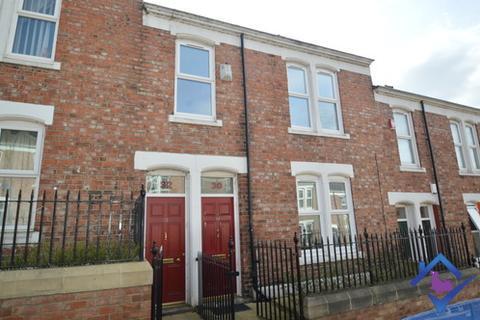 3 bedroom flat to rent - Hyde Park Street, , Gateshead, NE8