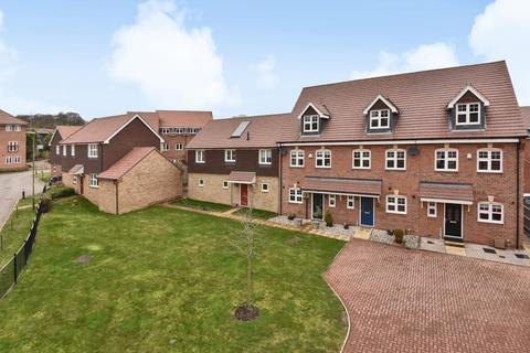 Bed Houses For Sale In Bagshot