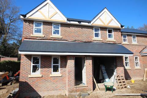 5 bedroom detached house for sale - York Road, Broadstone