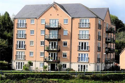 2 bedroom flat to rent - River Walk, Penarth Marina
