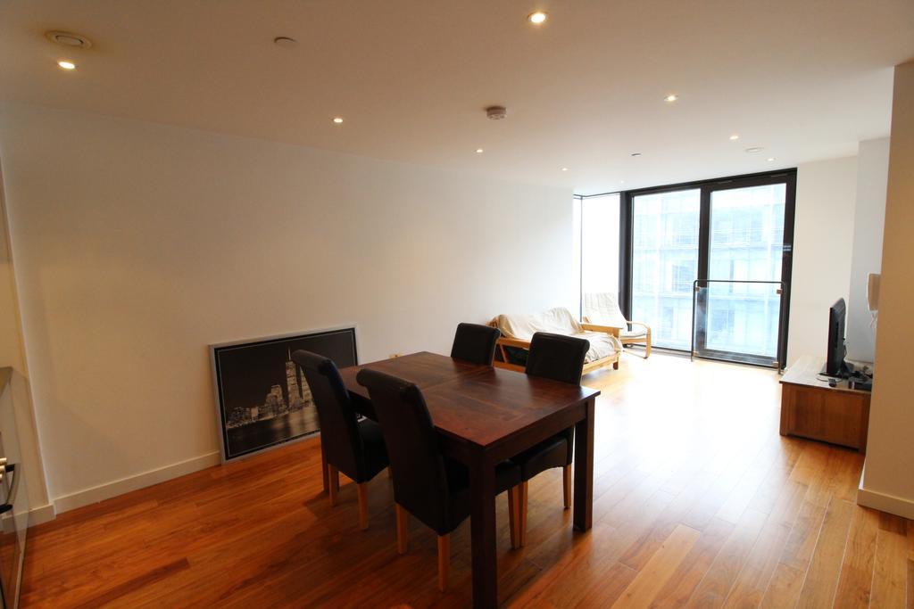 City Loft St Paul 39 S Square Sheffield S1 2 Bed Apartment