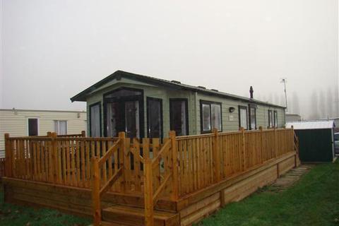 2 bedroom park home for sale - Bird Lake Pastures, Northampton