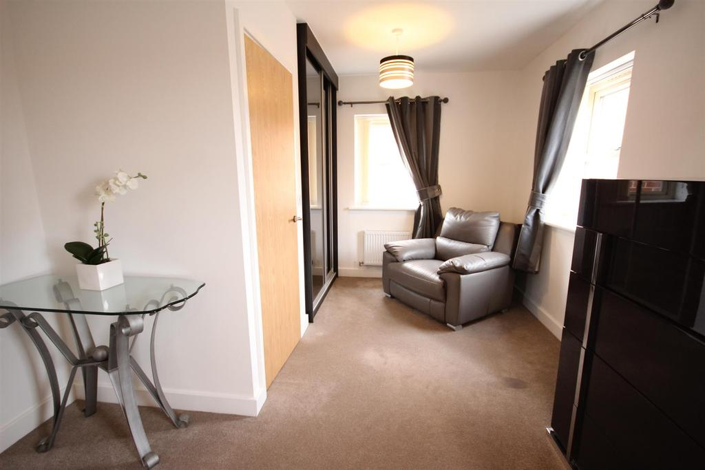 Lambeth Close Mackworth Derby 3 Bed Detached House For