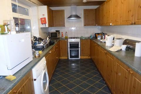 5 bedroom terraced house to rent - Landcross Road, Fallowfield