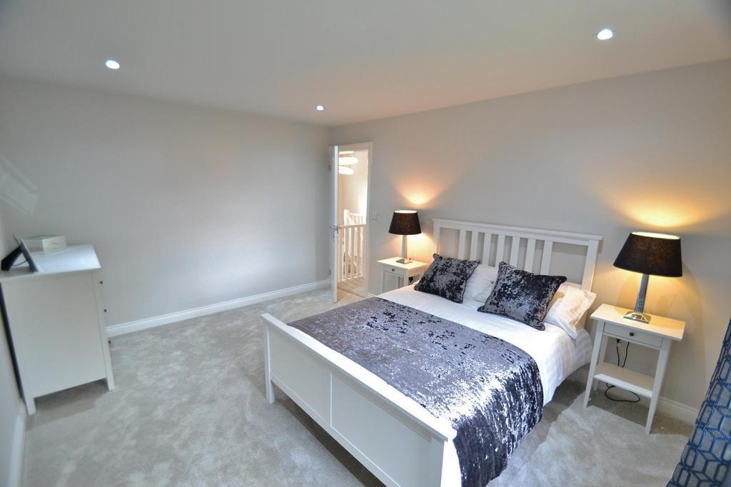 Verdure Avenue Brooklands Sale 5 Bed Detached House For