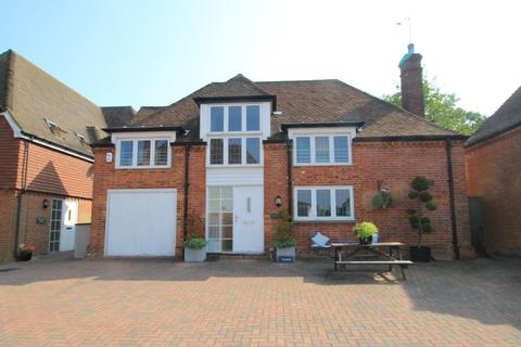 4 bedroom detached house for sale - Eton Place, The Moor, Hawkhurst, Kent, TN18 4NW