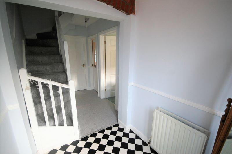 Farnham House Bed And Breakfast
