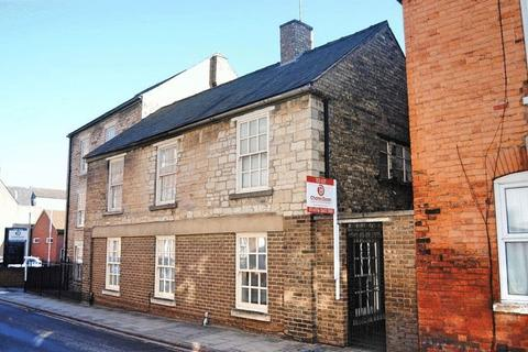 1 bedroom ground floor flat to rent - Castlegate, Grantham