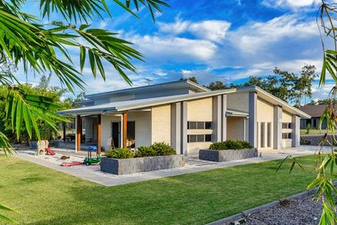 5 bedroom house  - 411 Jim Whyte Way, BURUA, QLD 4680