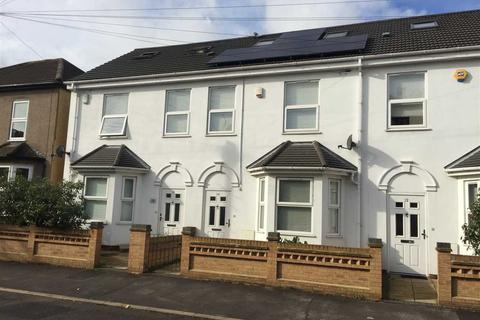 4 bedroom end of terrace house for sale - Craigdale Rd, Hornchurch