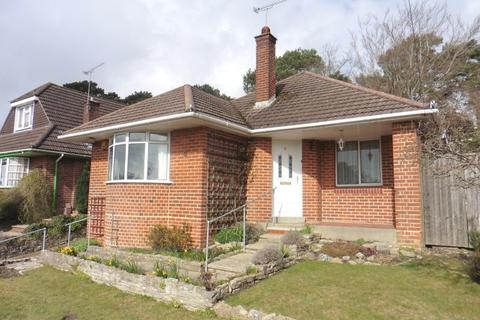 3 bedroom detached bungalow for sale - Inverclyde Road, Poole