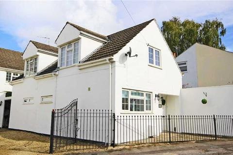 3 bedroom detached house for sale - Tryes Road, Leckhampton, Cheltenham, GL50