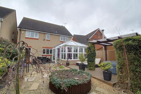 4 bedroom detached house for sale - Portchester Close, Park Farm, Peterborough, PE2