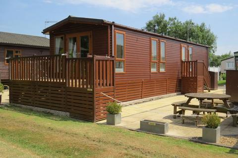 2 bedroom lodge for sale - Rayford Park, Stratford-Upon-Avon