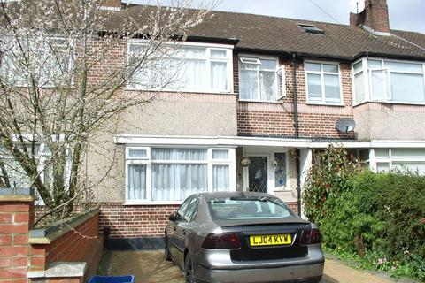 3 bedroom terraced house to rent - Meadow Road, Feltham