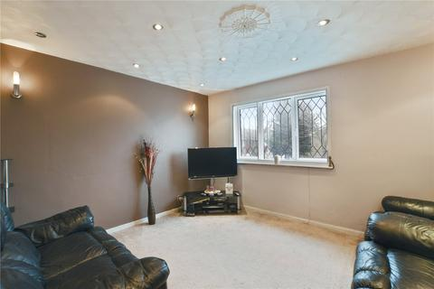 3 bedroom terraced house to rent - Devenay Road, London, E15