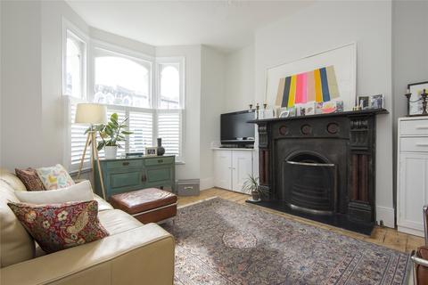 4 bedroom terraced house to rent - Penpoll Road, London, E8