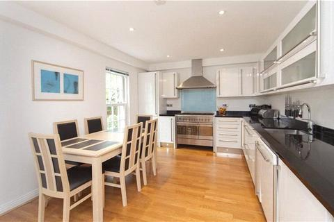 4 bedroom terraced house to rent - Parliament Mews, London, SW14