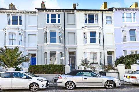 1 bedroom flat for sale - Queens Park Road, Brighton, , BN2