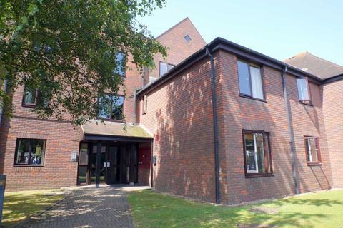 1 bedroom apartment to rent - Freelands Road, Cobham, KT11